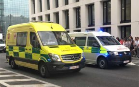 does medicare pay for ambulance