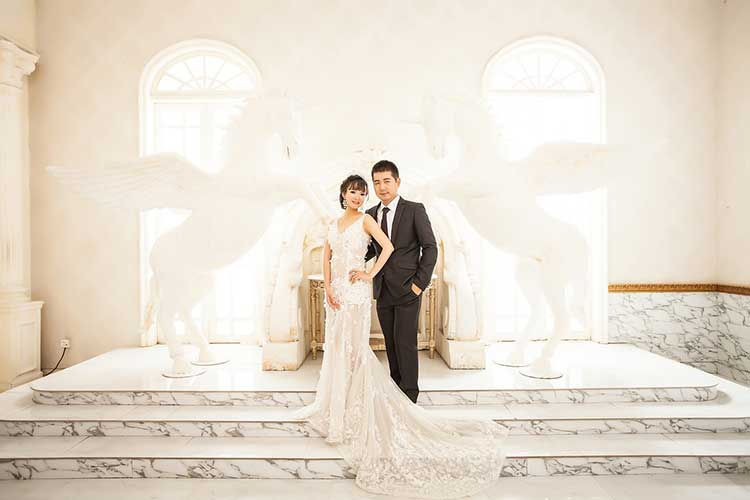 Top 10 Most Expensive Wedding Dresses In The World Trulygeeky,Most Unusual Wedding Dresses